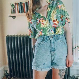 Vintage Green Hawaiian print button down shirt